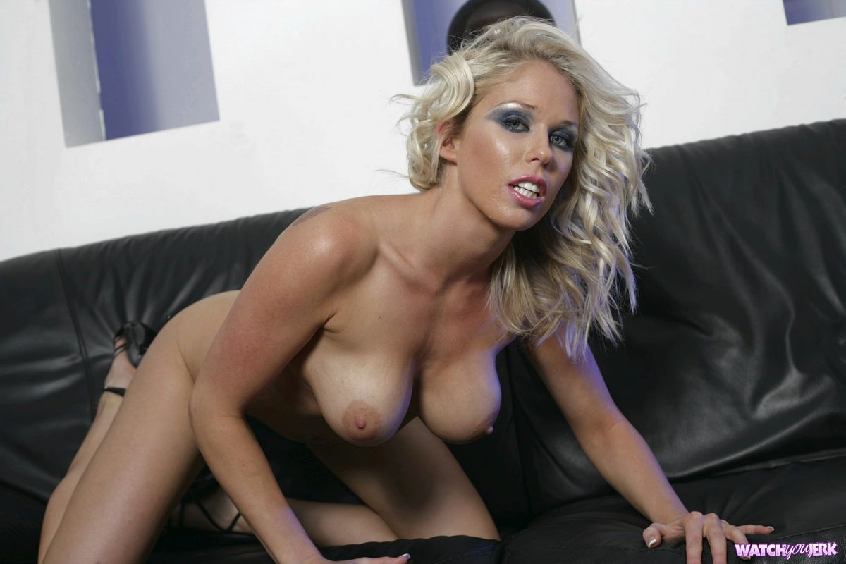 Jamie Elle galleries and bio at BestPornStarDB